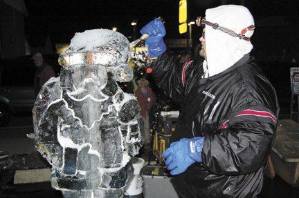 Plain City presents Christmas Under the Clock - Columbus Messenger